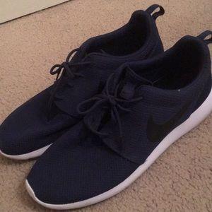 Nike Roshe One Navy Size 12